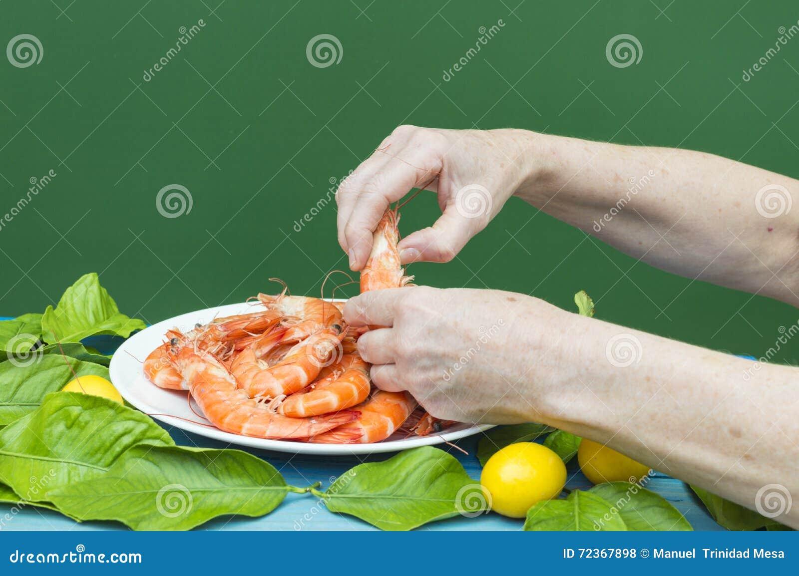 削皮大虾用手