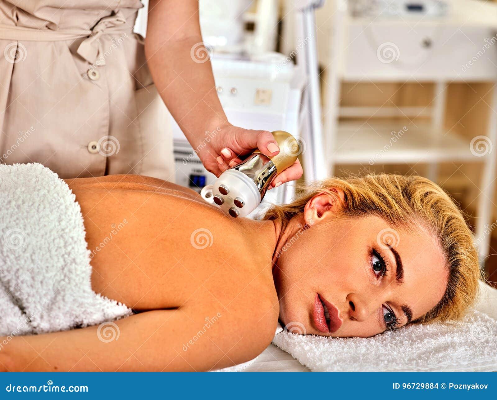 剥皮复出在超声波面孔机器的做法面部做法