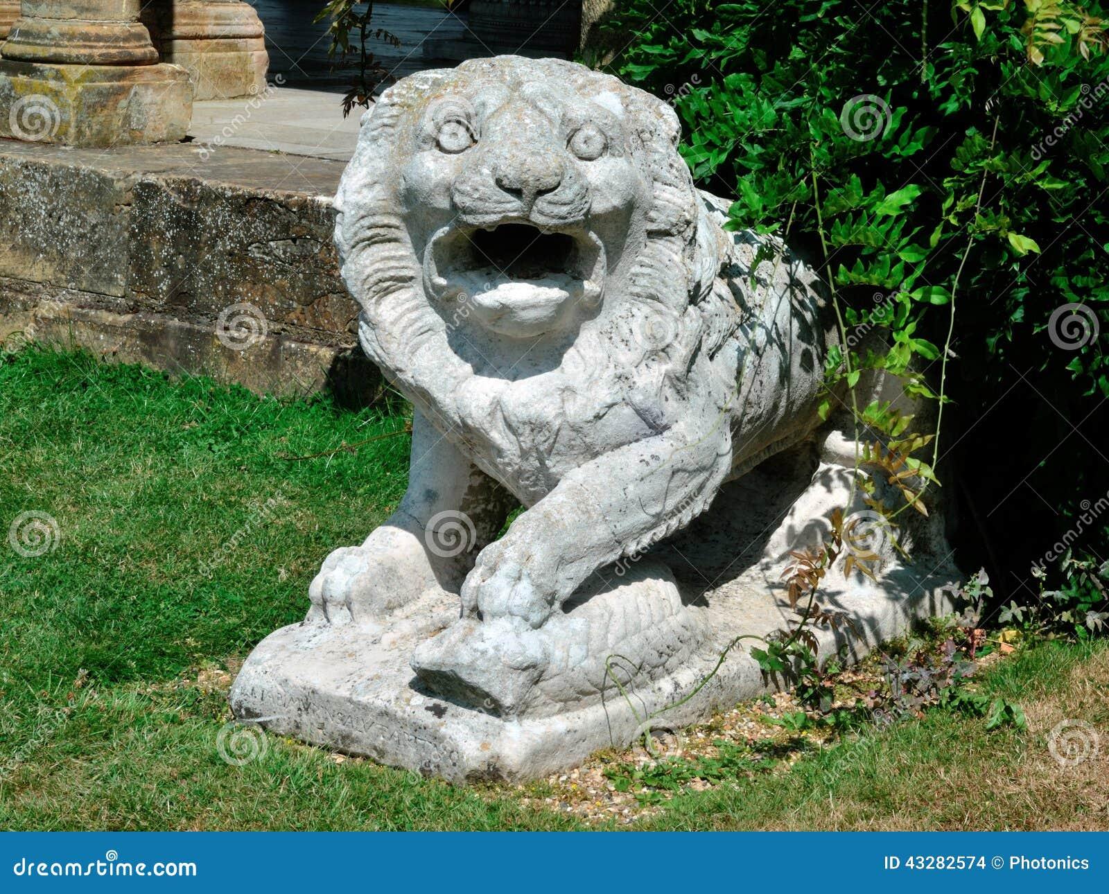 剧烈狮子雕象