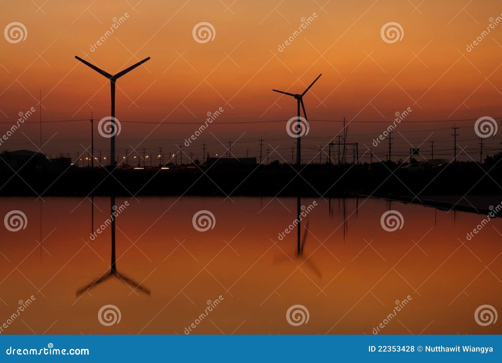 剪影涡轮风