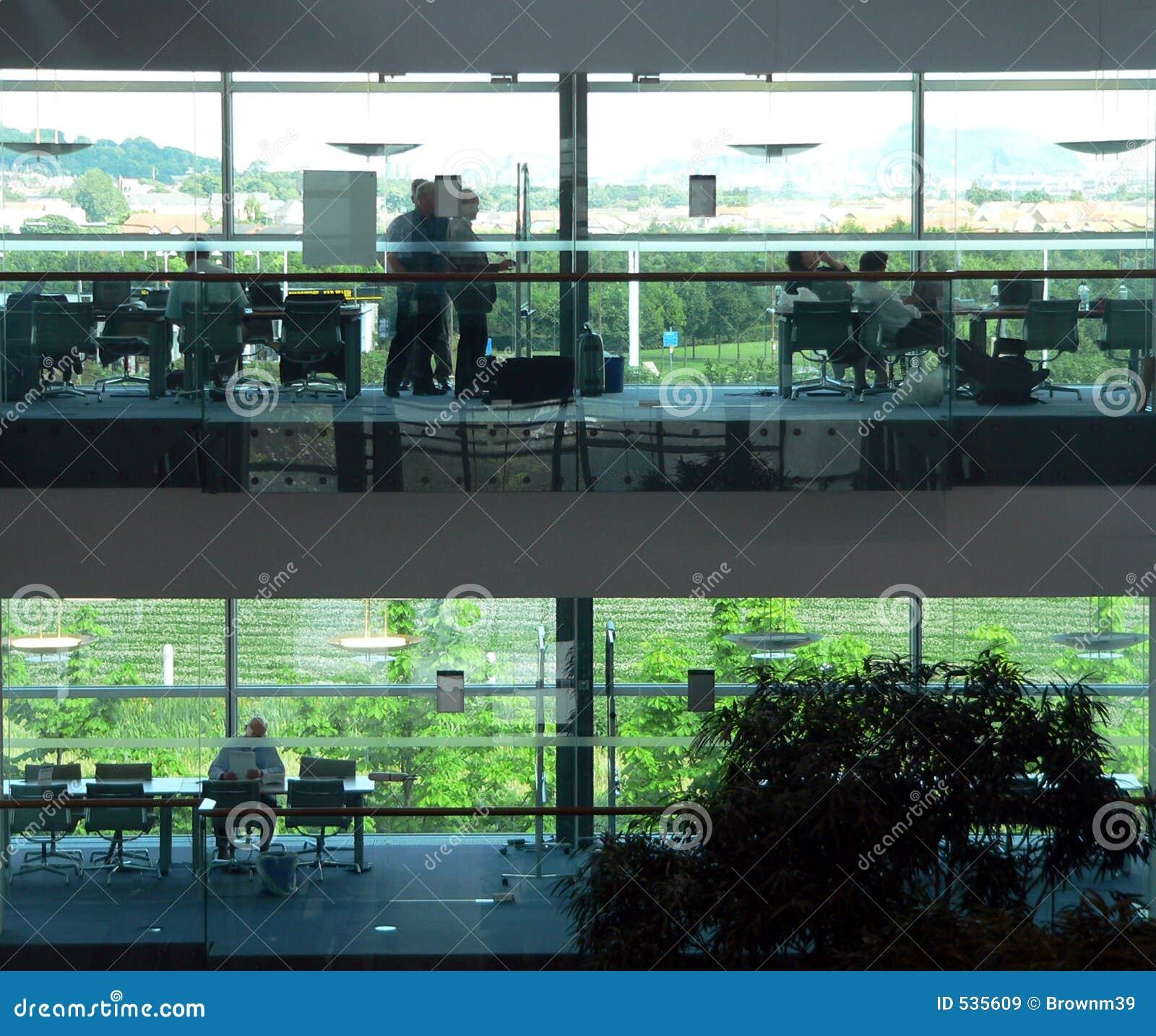 Download 办公室工作区 库存图片. 图片 包括有 音乐学院, 细分, 执行委员, 大厅, 玻璃, 会议, 未来派, 多维数据集 - 535609