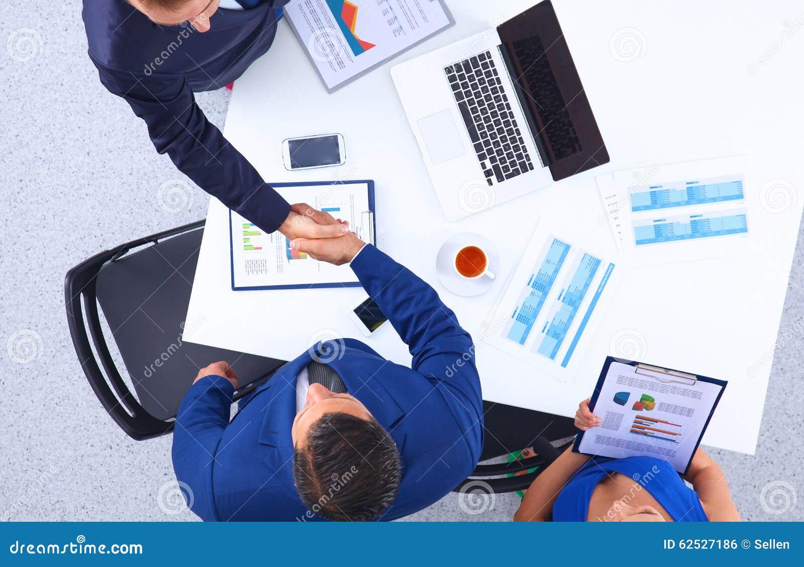 办公室工作者队的顶视图