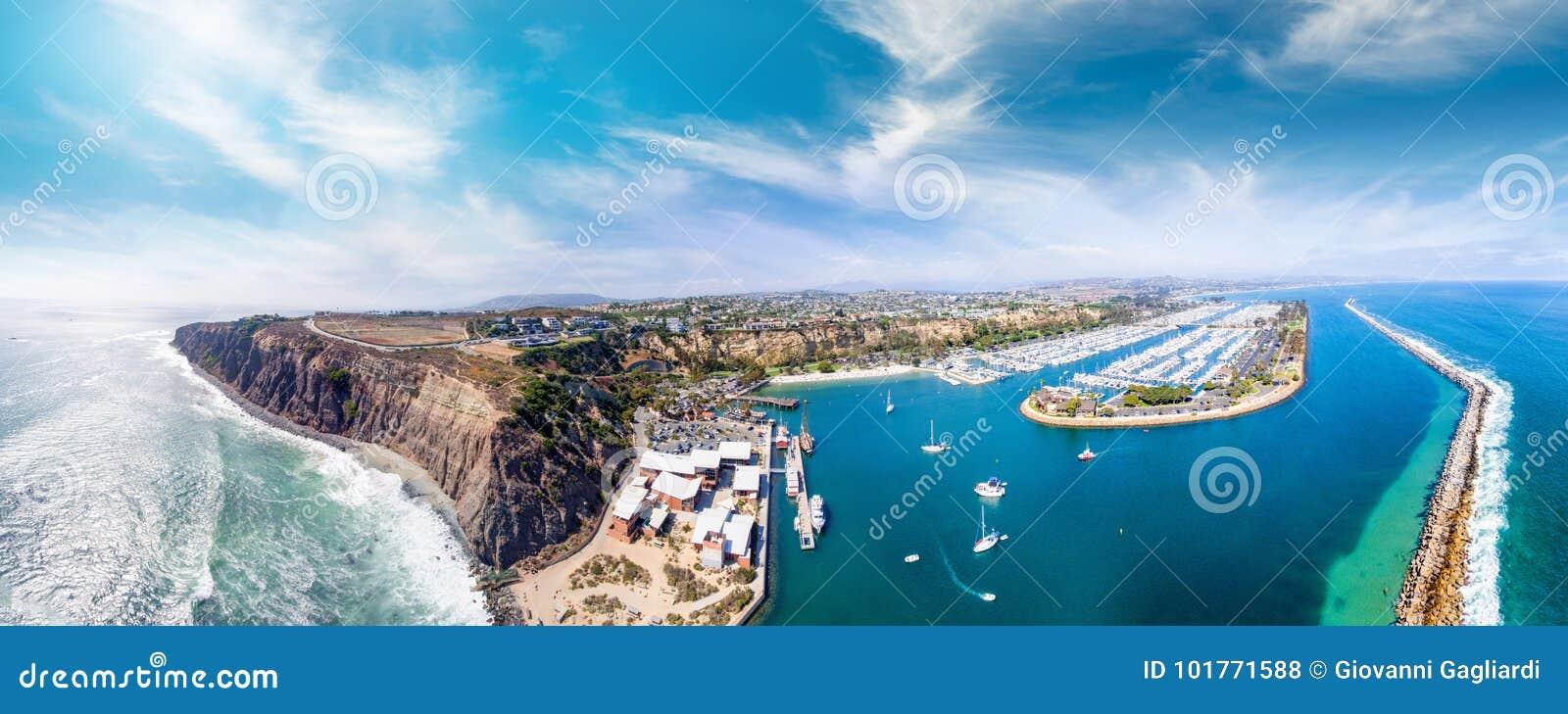 加利福尼亚Dana Point 美好的海岸线鸟瞰图