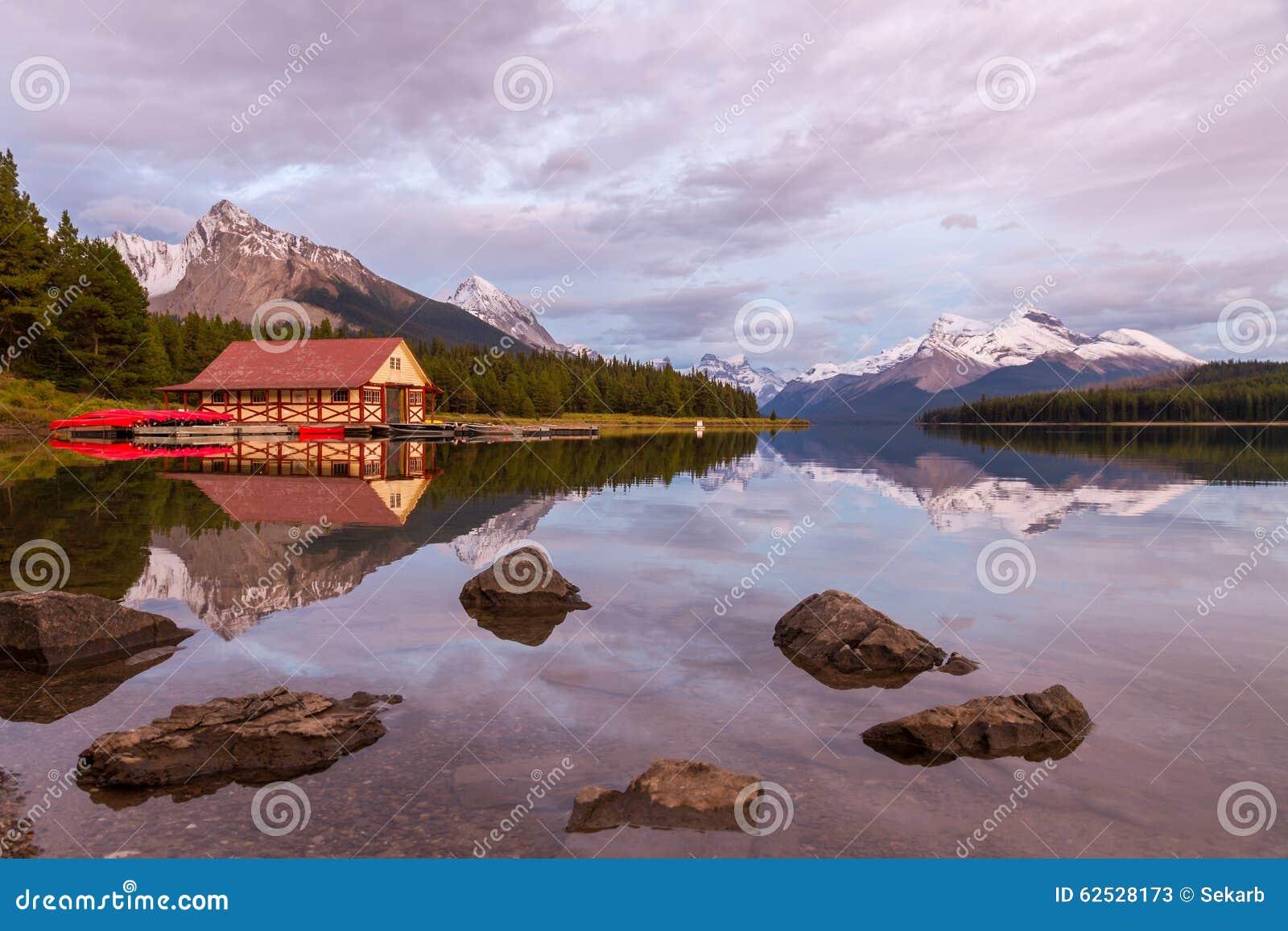 加拿大碧玉湖maligne国家公园