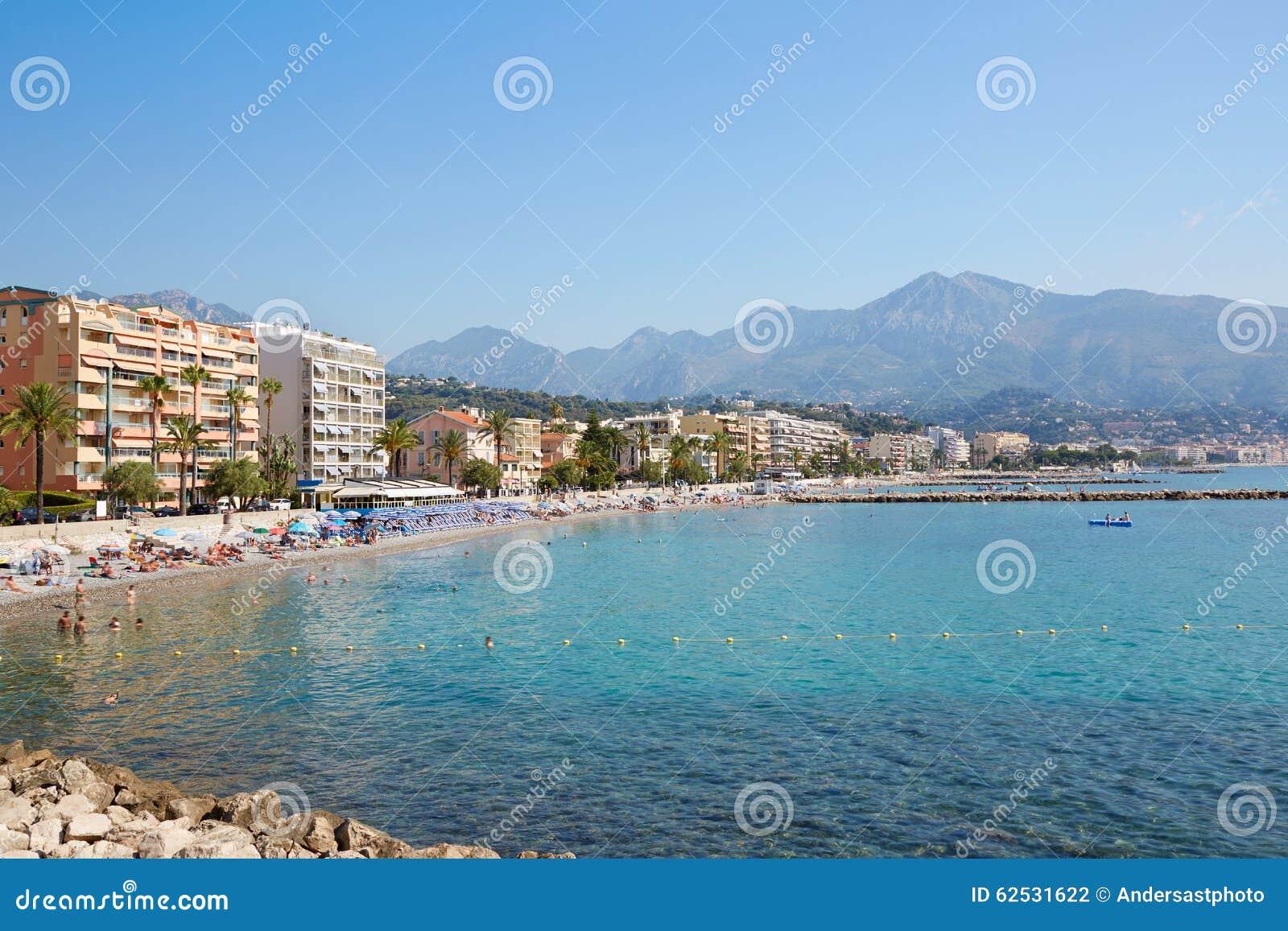 加盖马丁Roquebrune海岸,法国海滨蓝色海