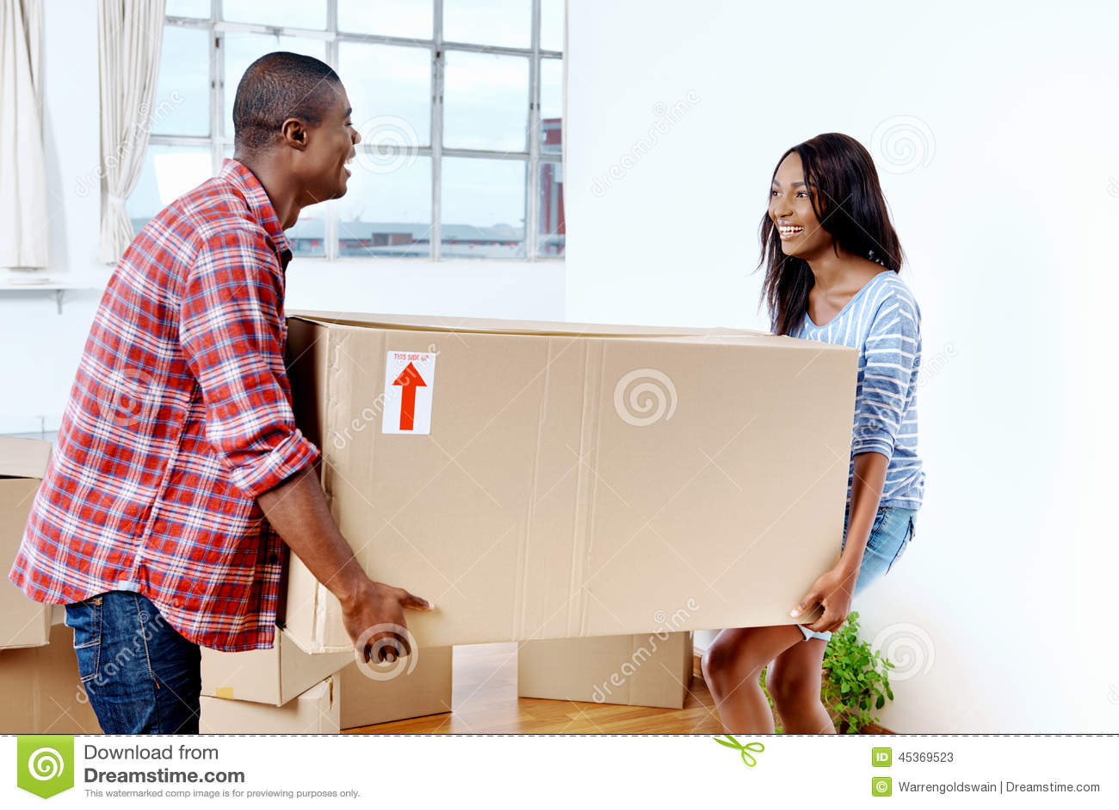 移动的箱子夫妇