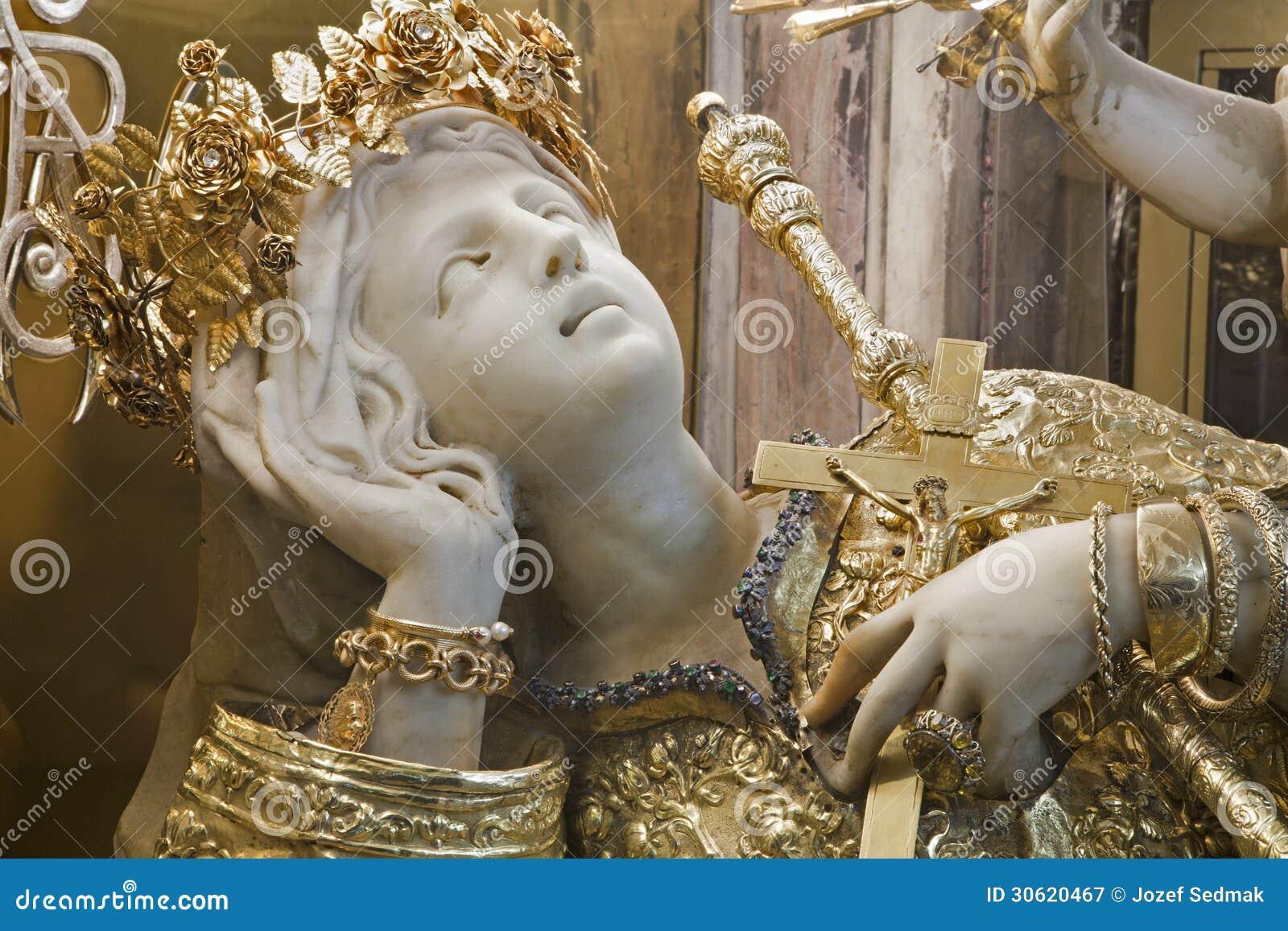 巴勒莫-圣塔罗萨莉娅巴勒莫的受护神雕象