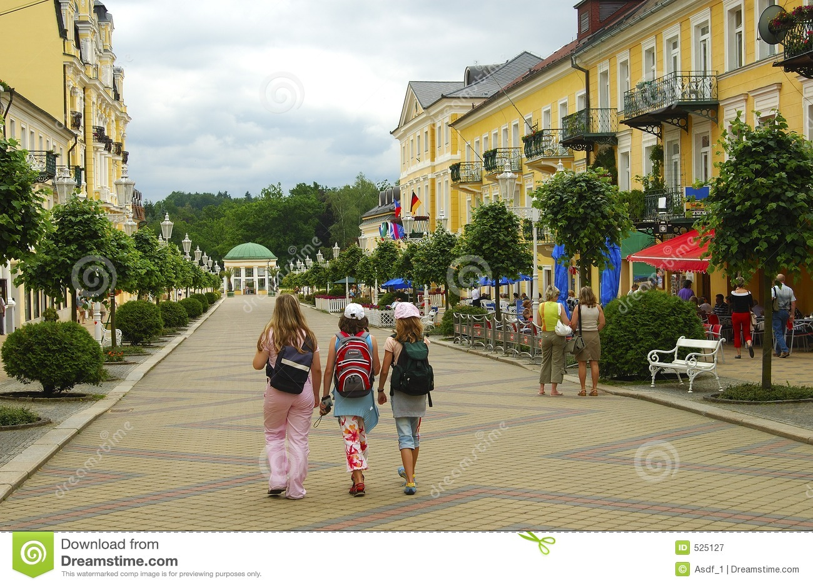 Download 区pedastrian小镇 库存图片. 图片 包括有 人们, 城镇, 共和国, 捷克语, 欧洲, 都市, 城市 - 525127