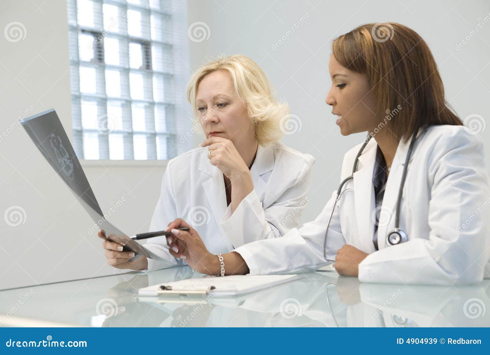 医治女性二