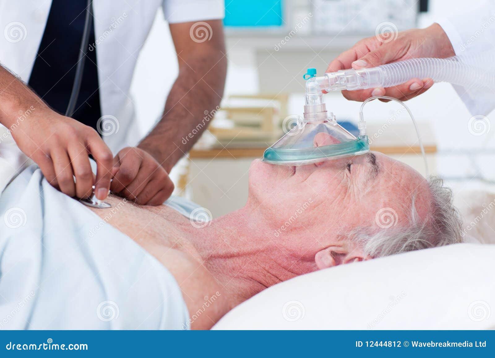 医治患者复苏的前辈