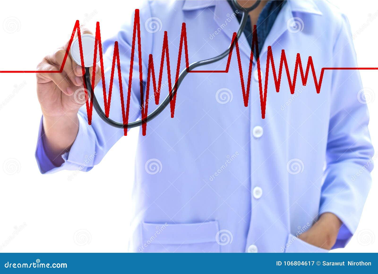 医疗保健概念,穿一件白色制服的人拿着一stethosc