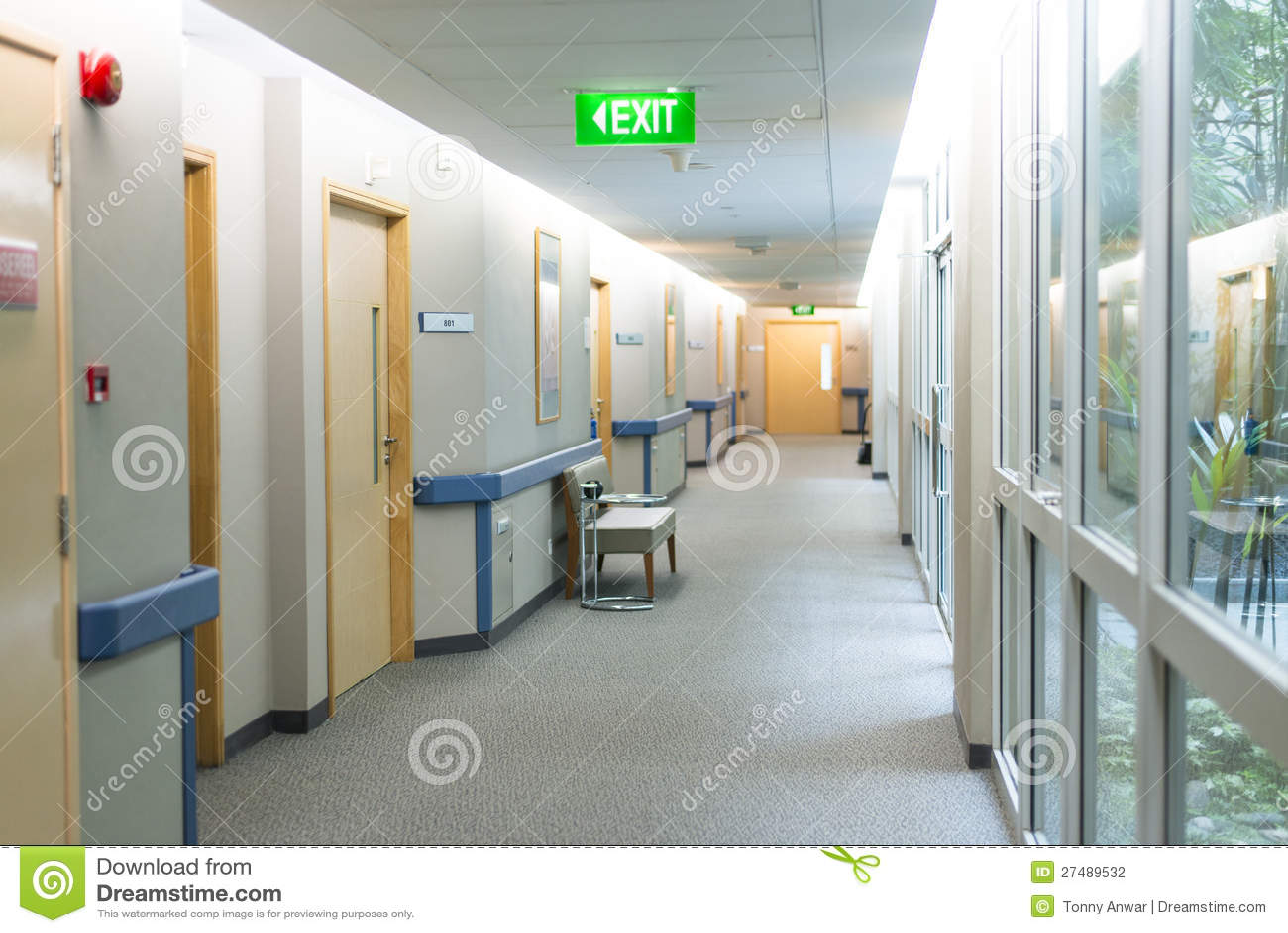 医院病房走廊