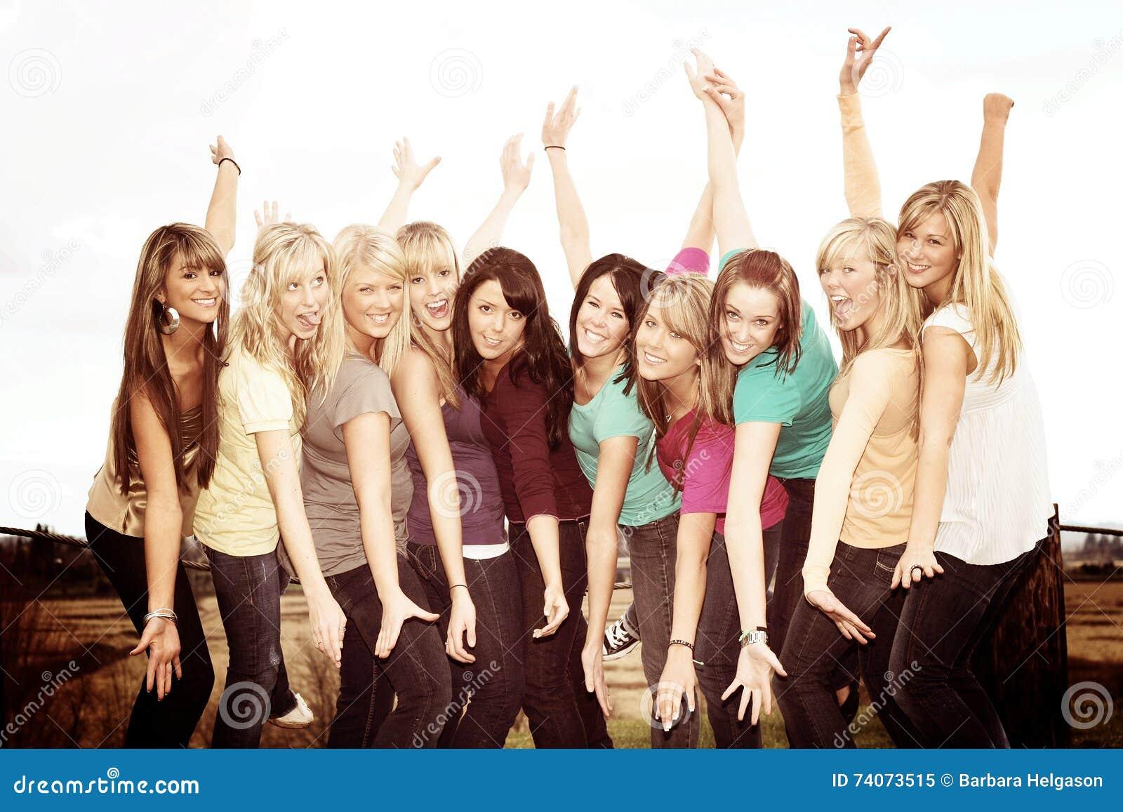 十个愉快的女孩
