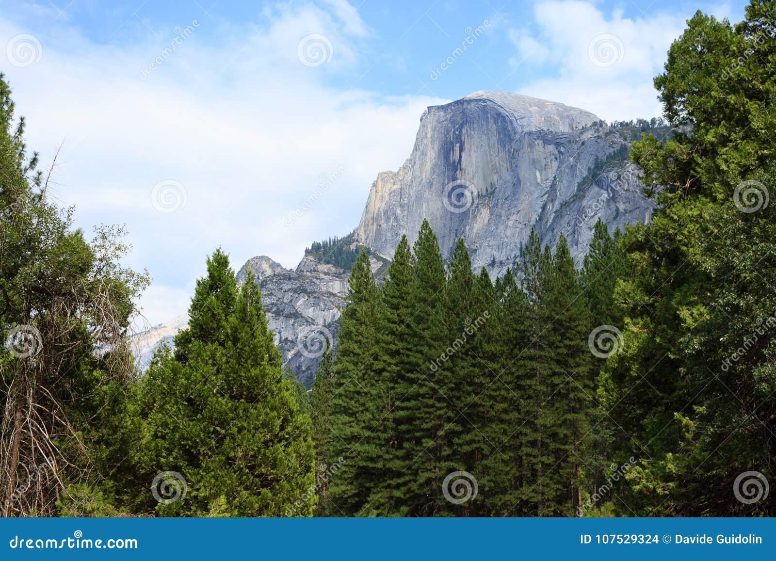 半圆顶岩石