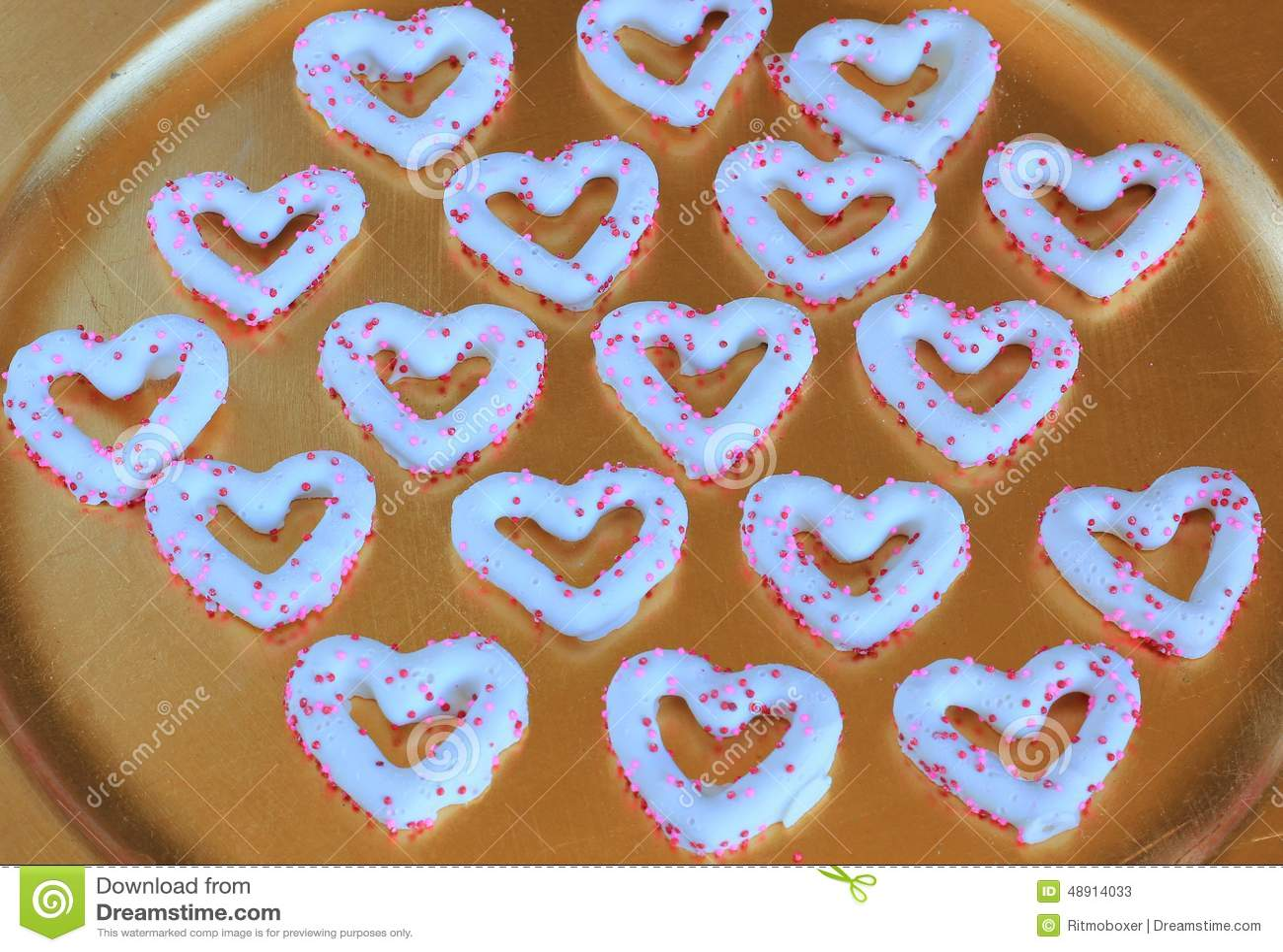 华伦泰的心脏涂了巧克力的椒盐脆饼
