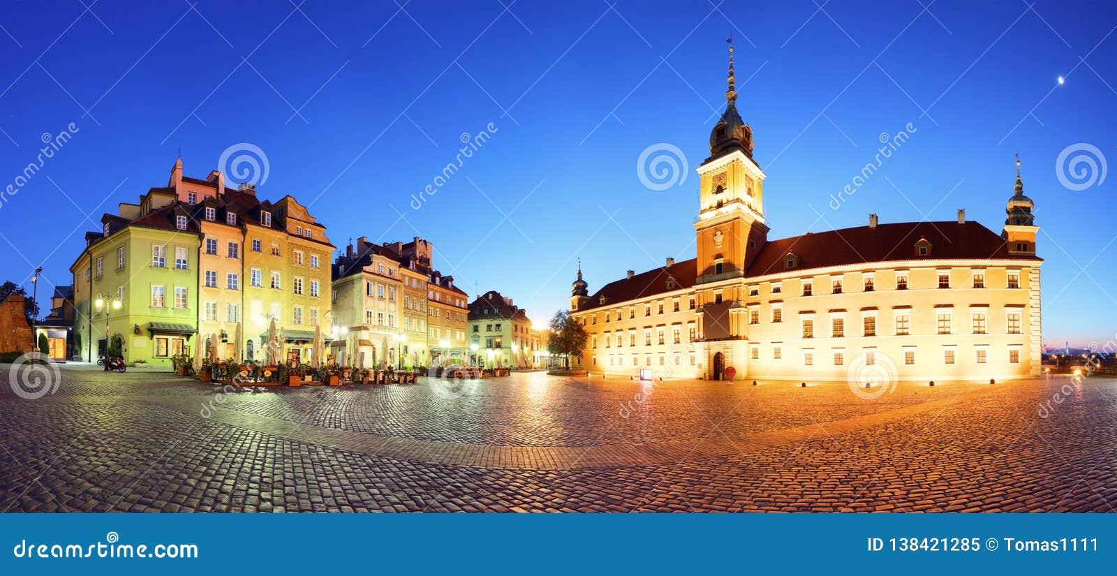 华沙市在晚上,全景,波兰