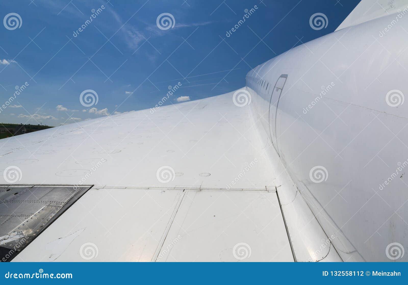 协和飞机,超音速班机翼