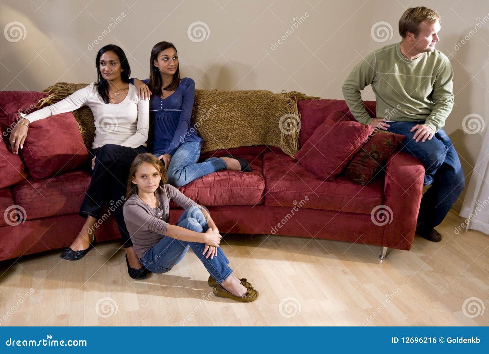 单独的长沙发系列父亲开会
