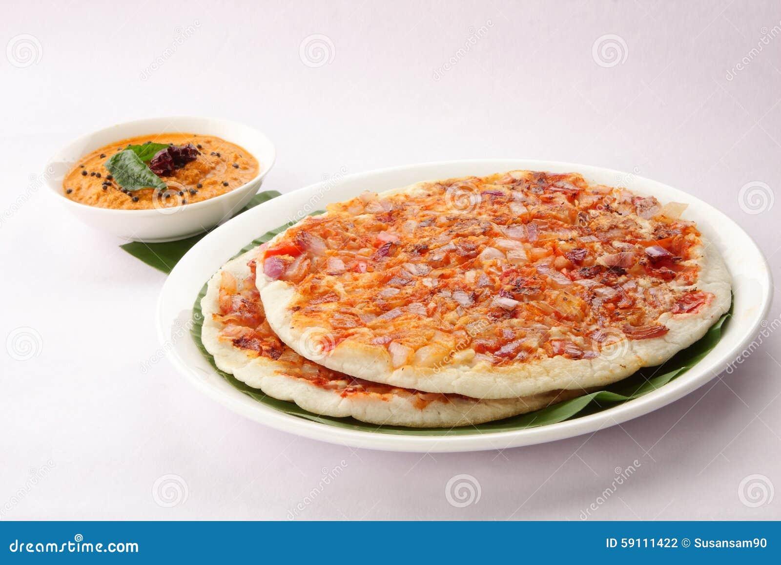 南印地安早餐utappam和酸辣调味品
