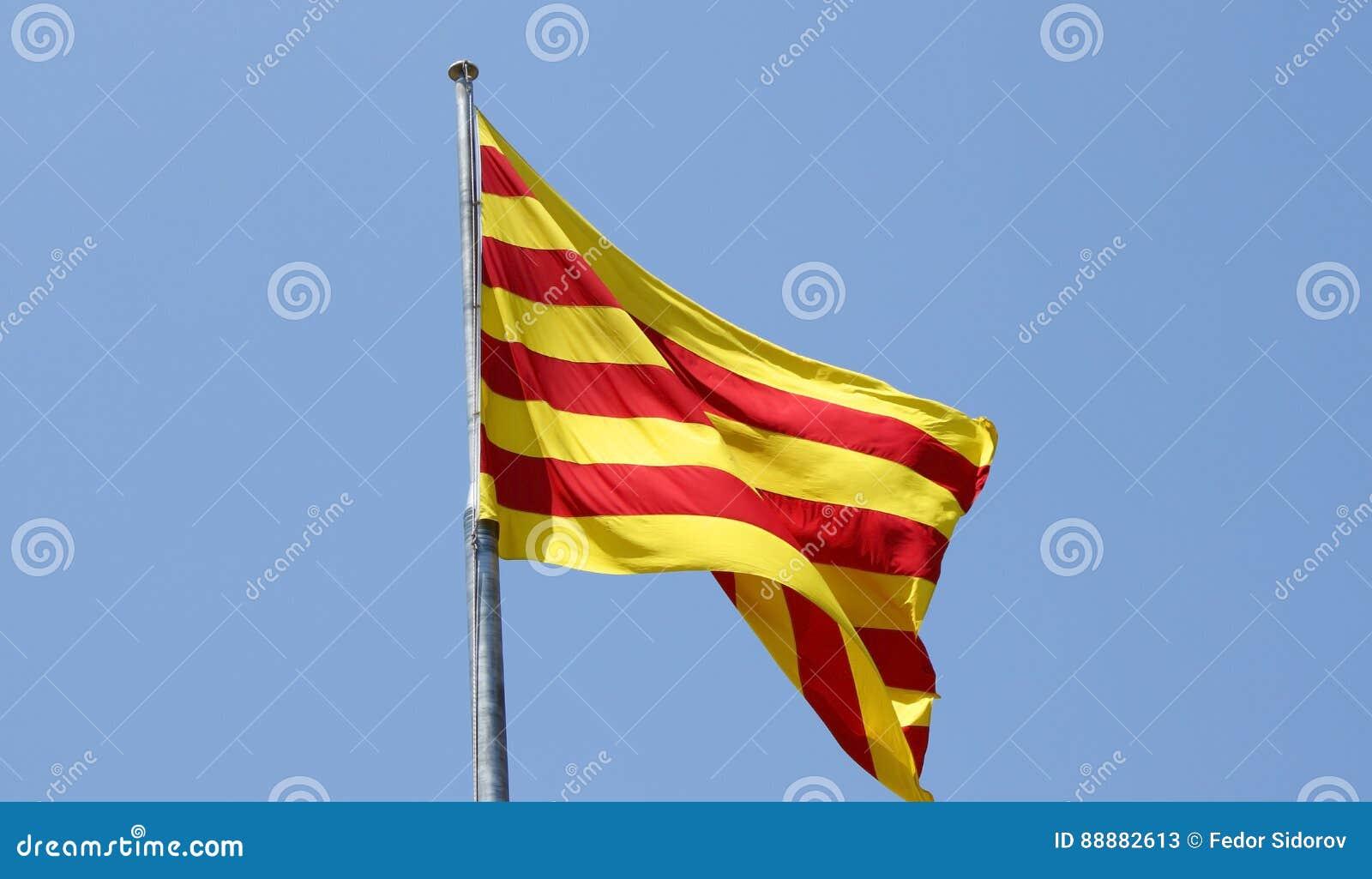 卡塔龙尼亚的旗子风的