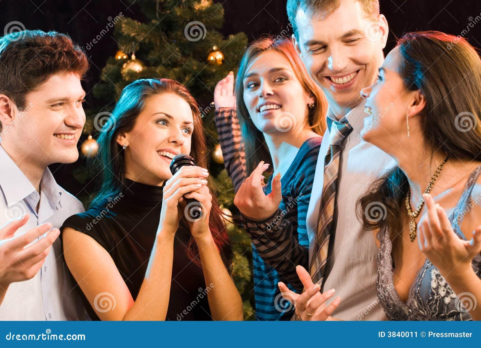 卡拉OK演唱当事人