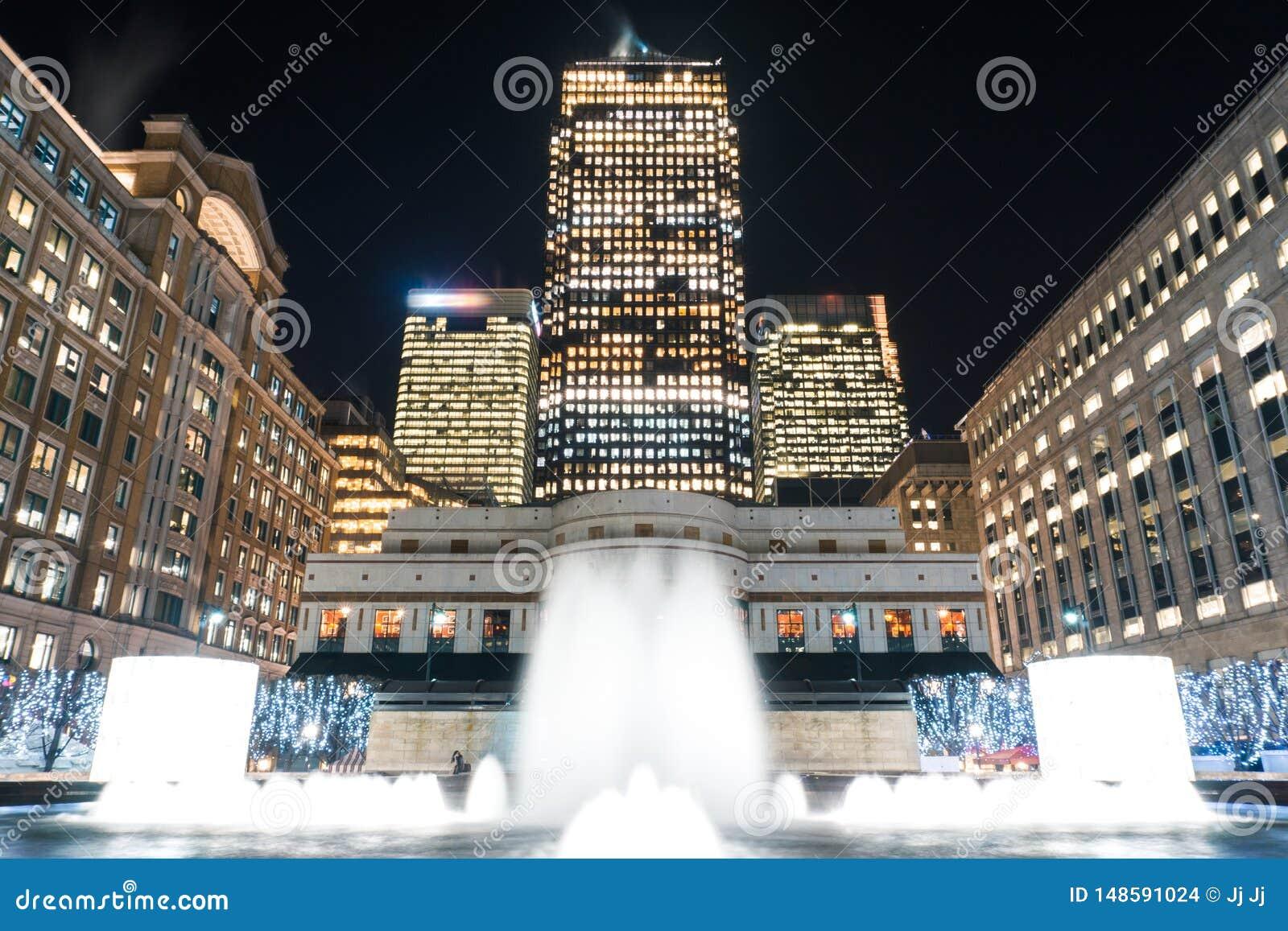 卡沃特广场在晚上