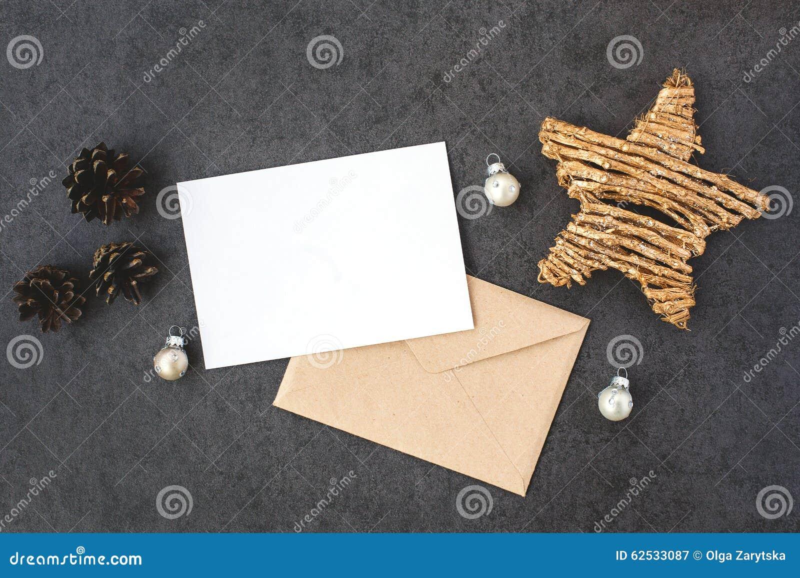 卡片和信封与星