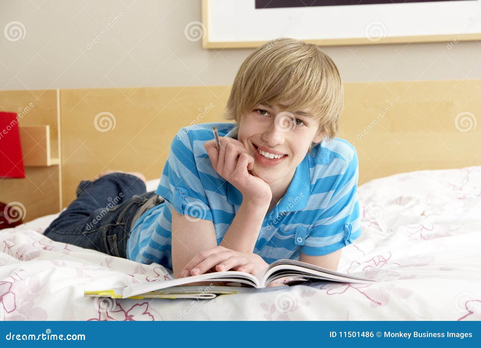 卧室男孩日志少年文字