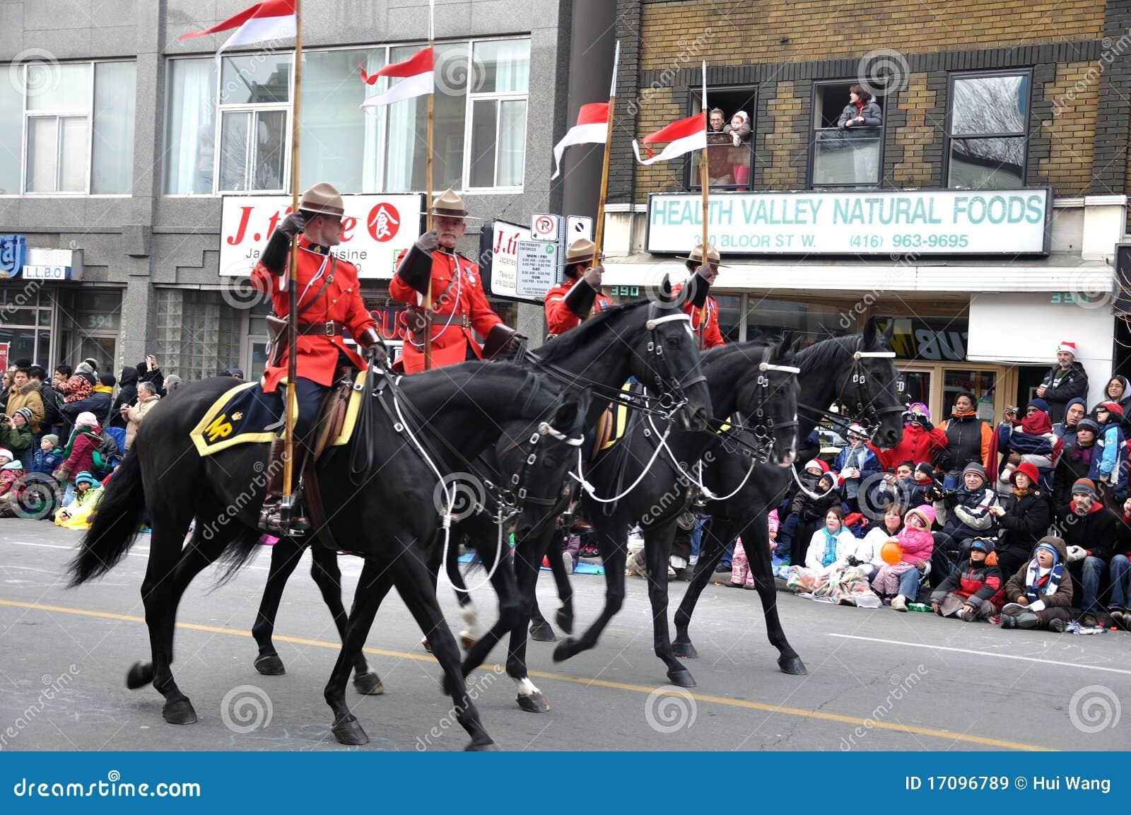 卫兵游行骑马圣诞老人