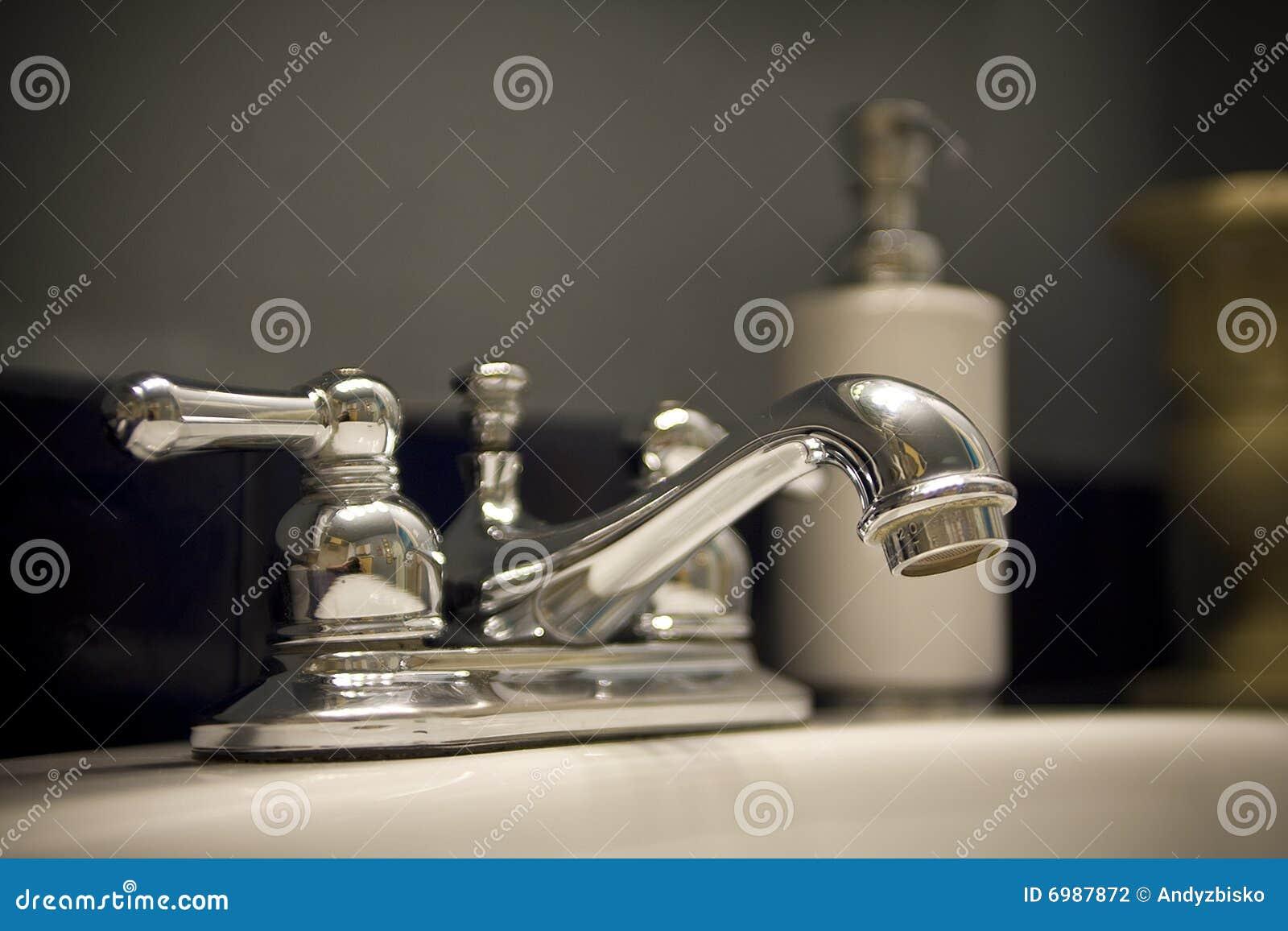 卫生间水槽