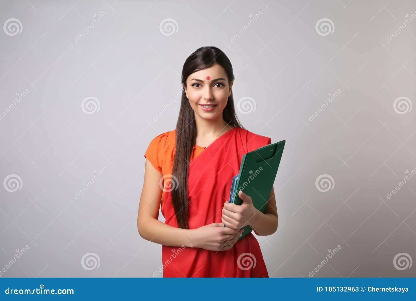 印地安女老师画象轻的背景的