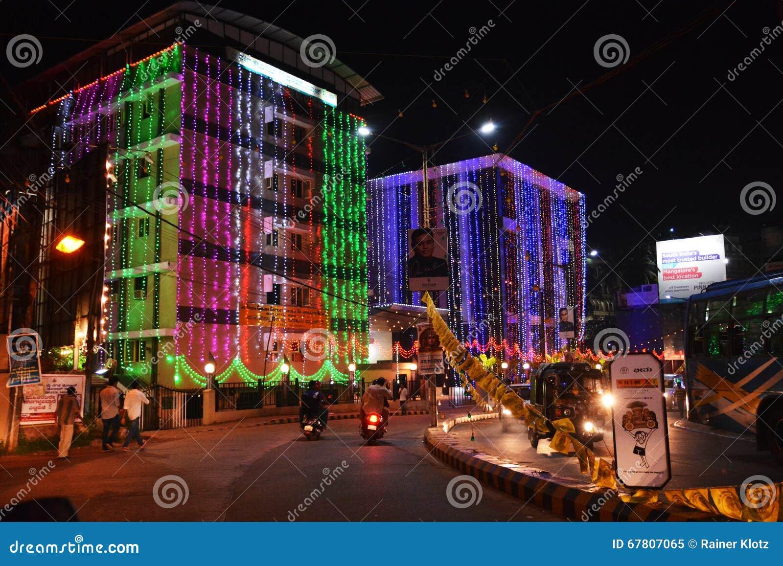 印地安节日在晚上