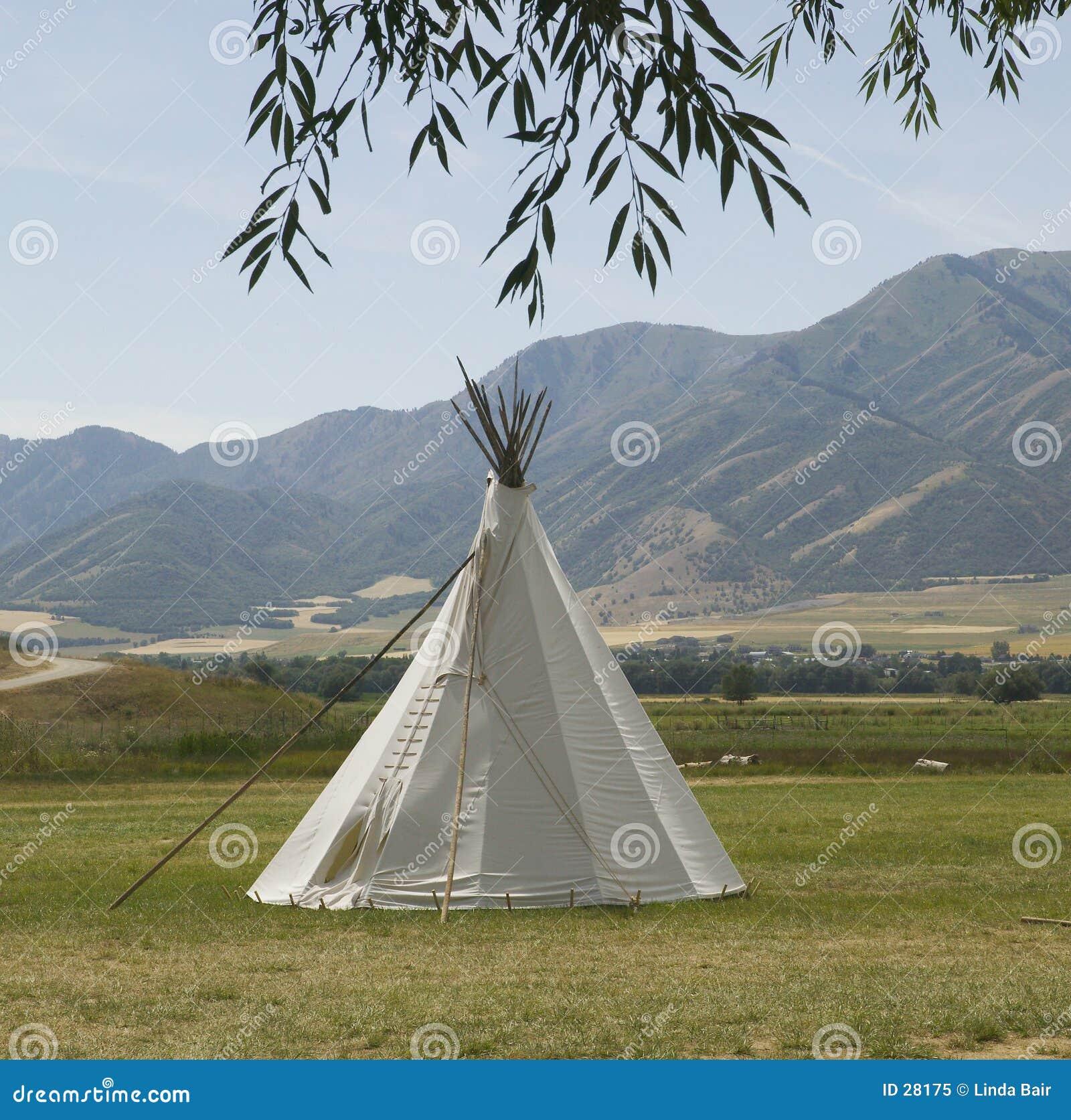 印第安圆锥形帐蓬