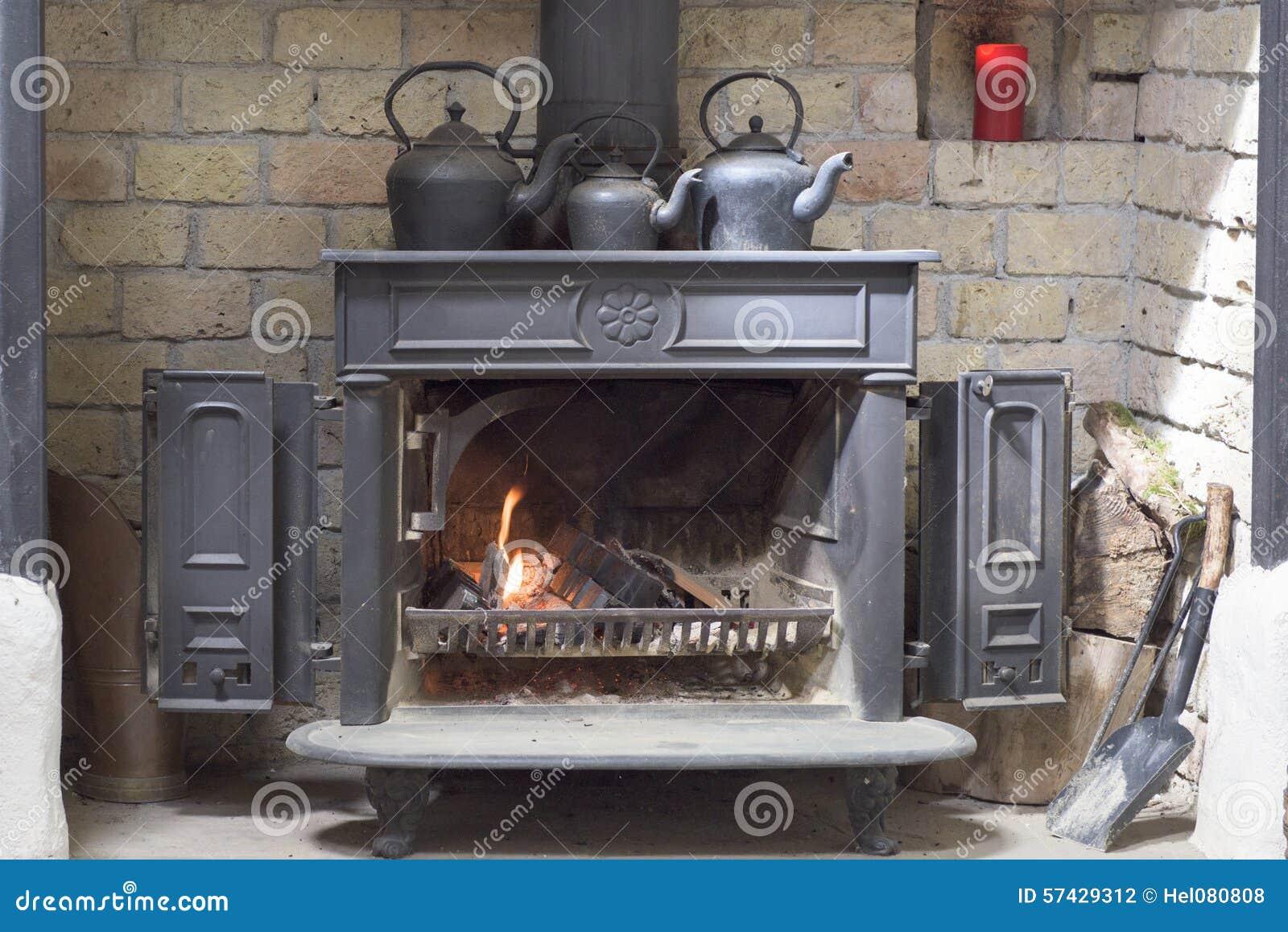 历史的壁炉,茶壶,爱尔兰图片