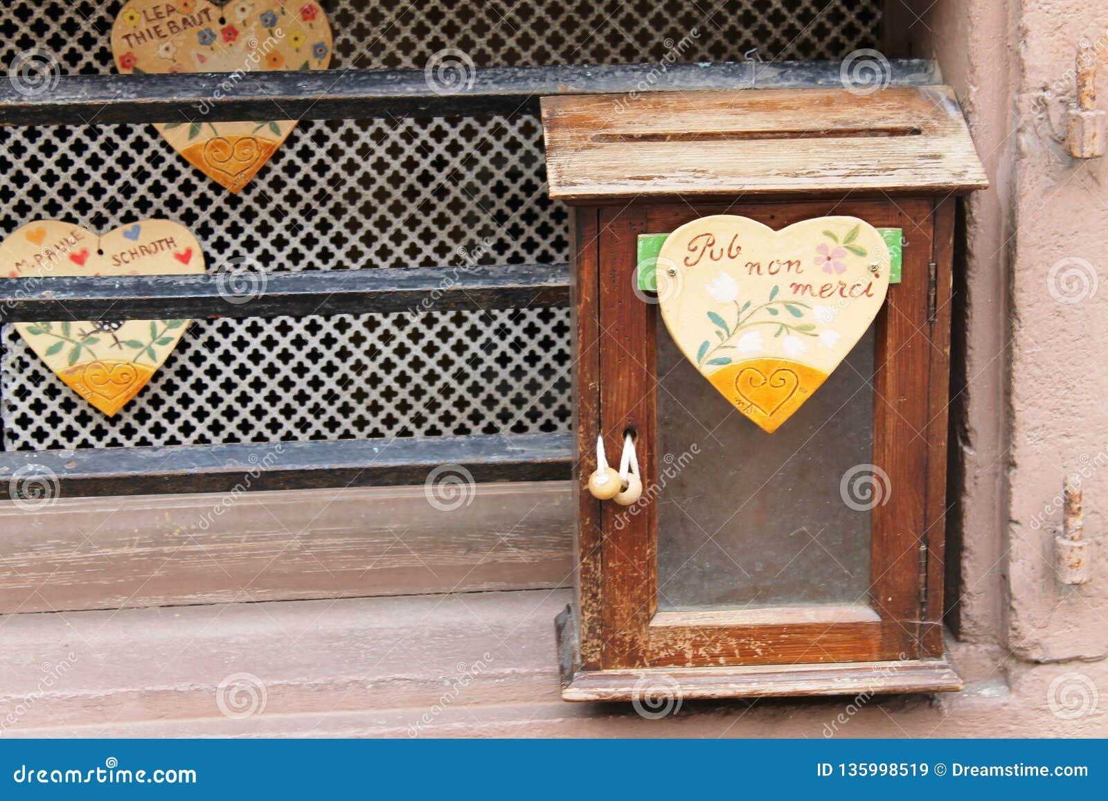原始的岗位箱子在法国