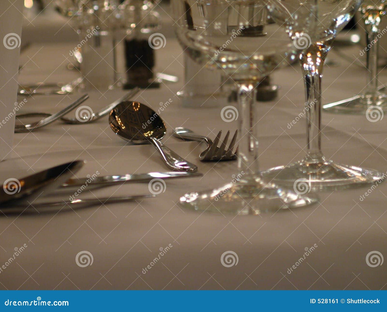 Download 叉子匙子 库存图片. 图片 包括有 玻璃, 正餐, 法国, 用餐, 匙子, 典雅, 正式, 烹调, 叉子 - 528161