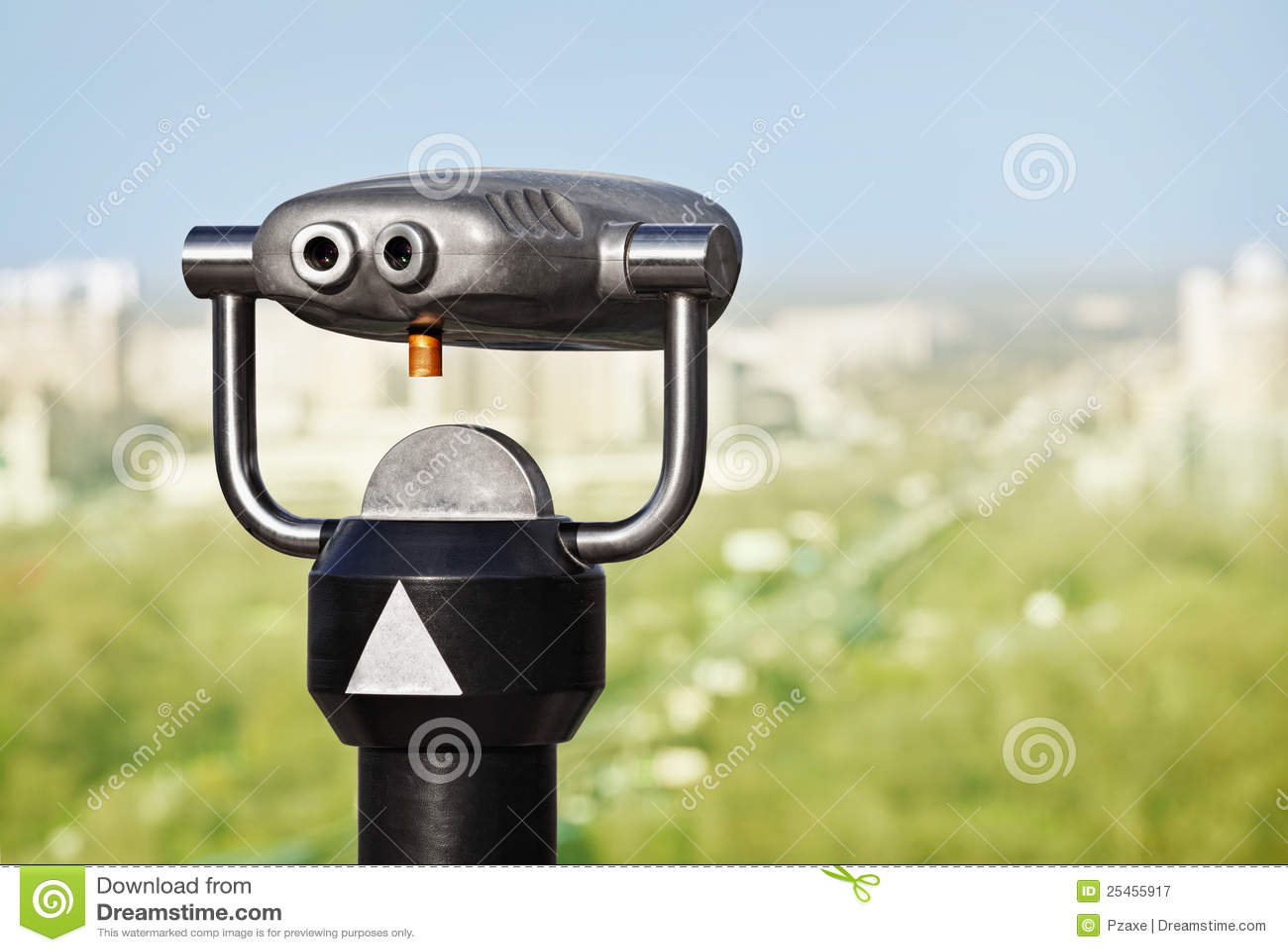 双筒望远镜城市绿色观察