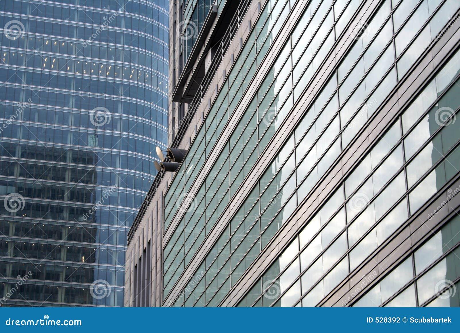 Download 反射的摩天大楼视窗 库存照片. 图片 包括有 商业, 布琼布拉, 玻璃, 视窗, 楼层, 财务, 摩天大楼, 反映 - 528392