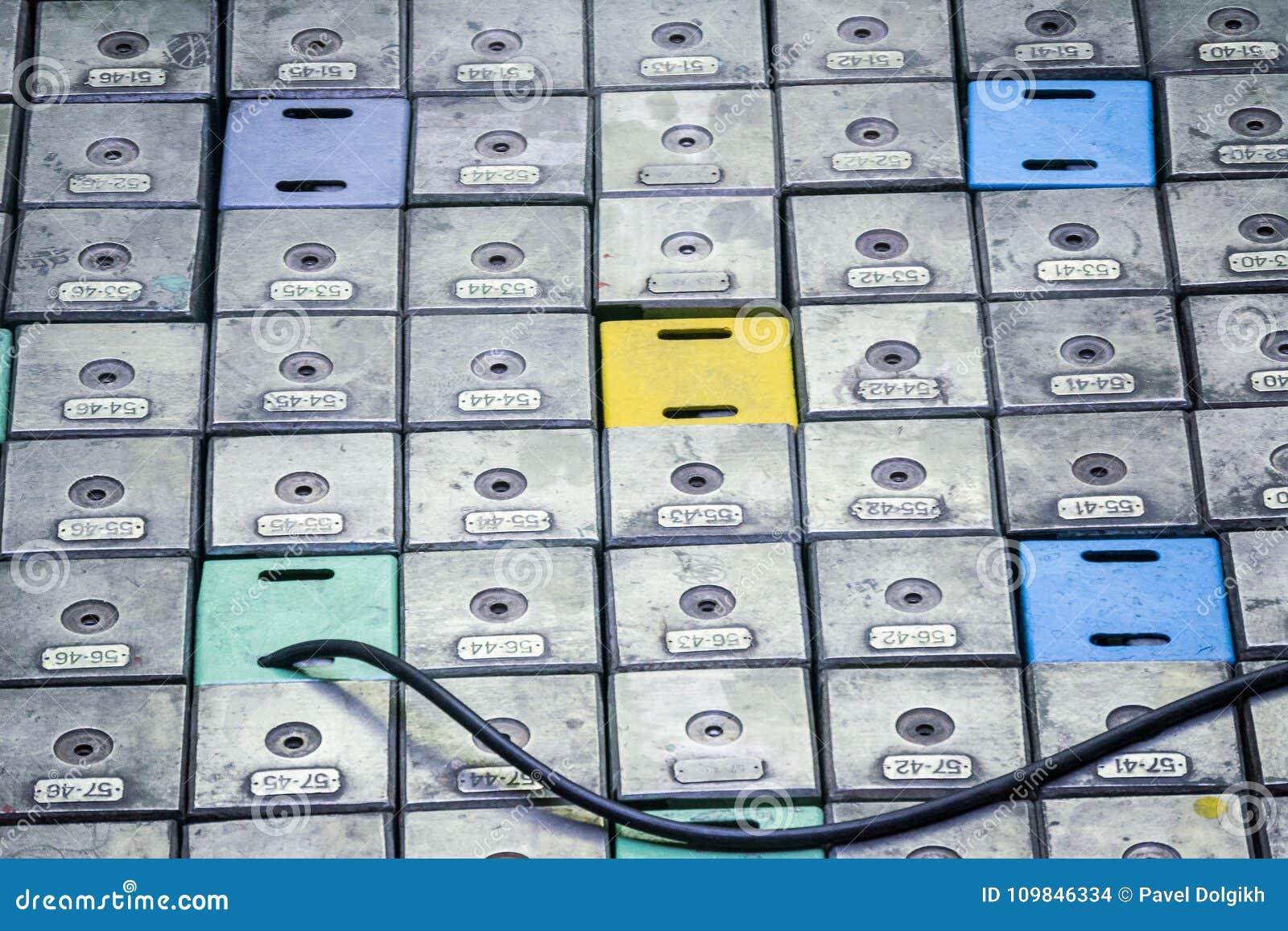 反应器室 核反应堆盒盖、反应器燃料元件的设备维修和替换