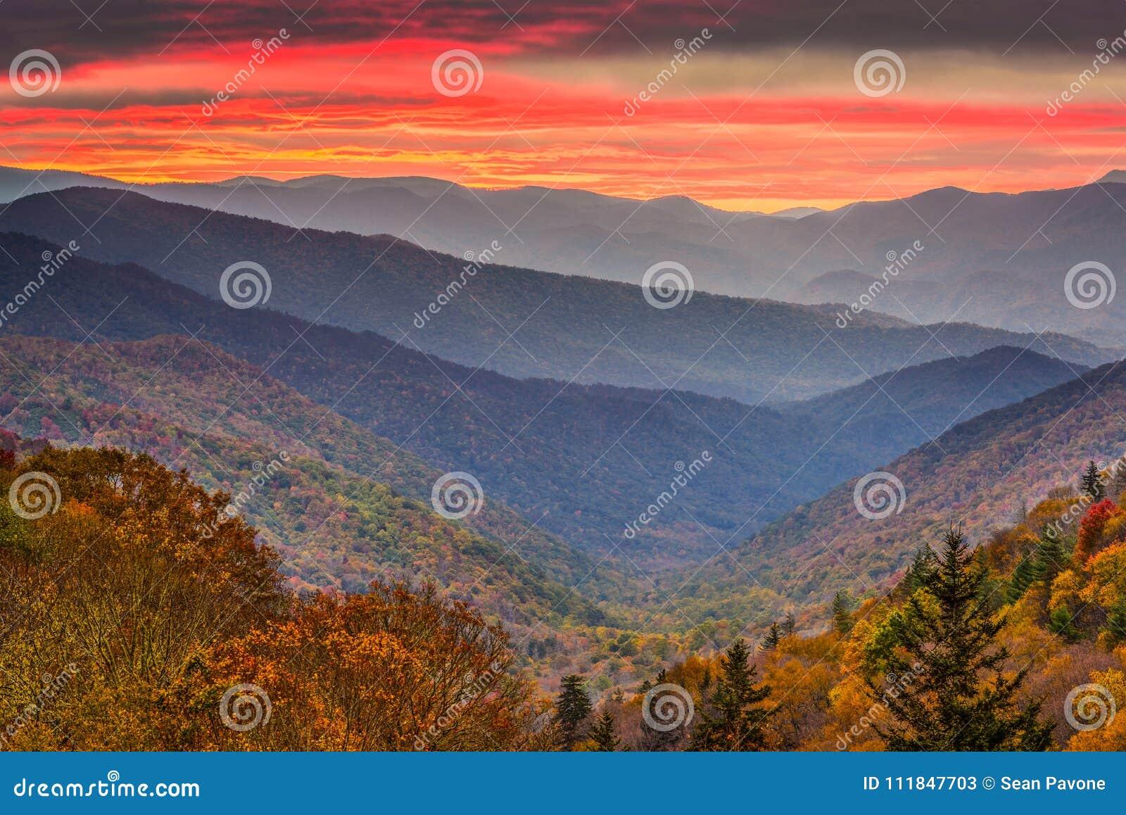 发烟性山国家公园,田纳西,美国秋天