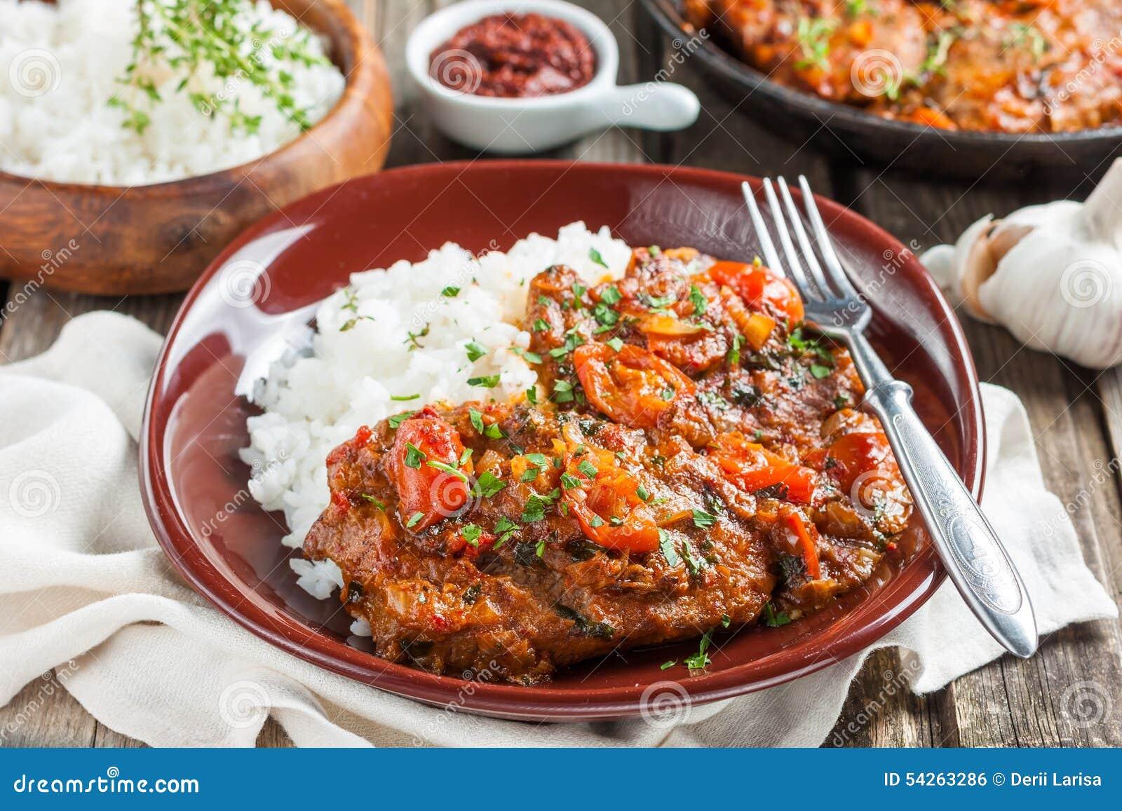发牢骚在辣西红柿酱用米