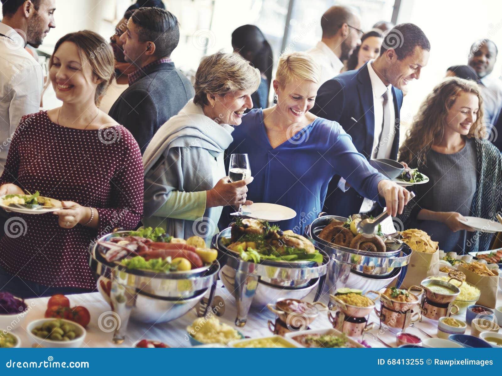 变化人享受立食宴会概念