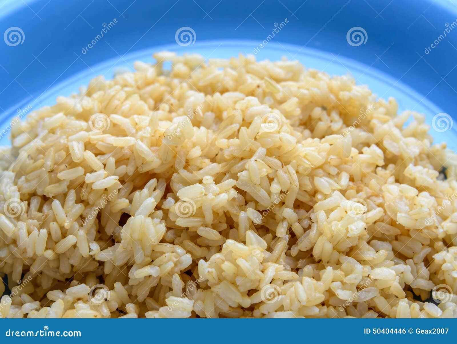变褐煮熟的米