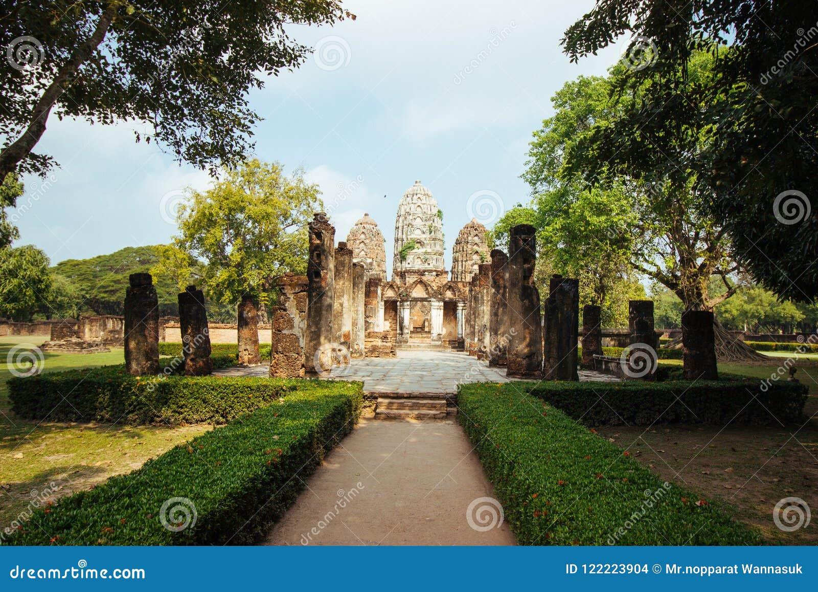 古庙美好的风景在sukhothai-historypark, Sukhothai,泰国的