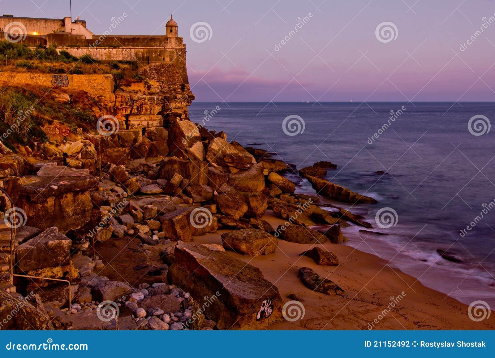 古老峭壁堡垒