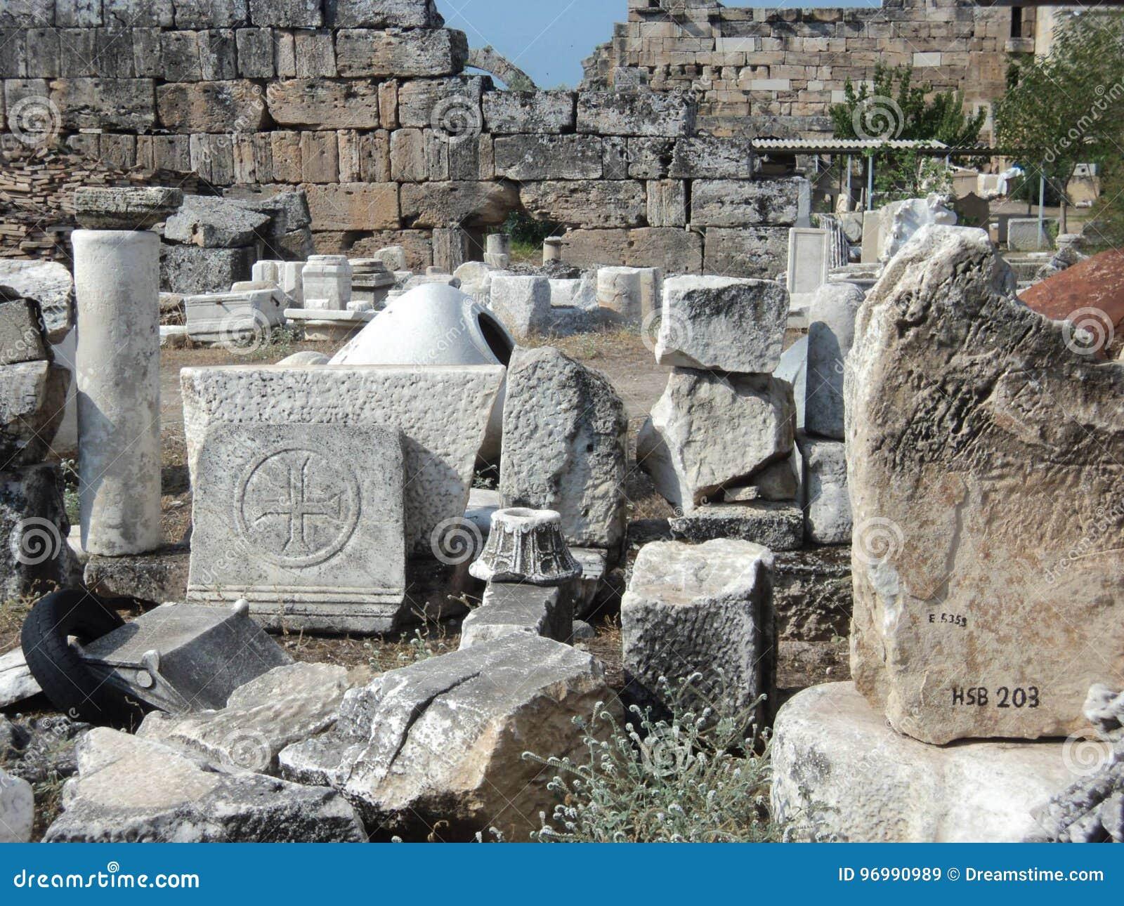 古老市的废墟Hierapolis 火鸡 棉花堡