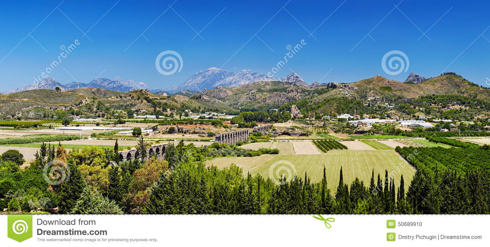 Download 古老罗马渡槽废墟在Aspendos,土耳其 库存照片. 图片 包括有 横向, 蓝色, 环境, 农场, 地中海 - 50689910