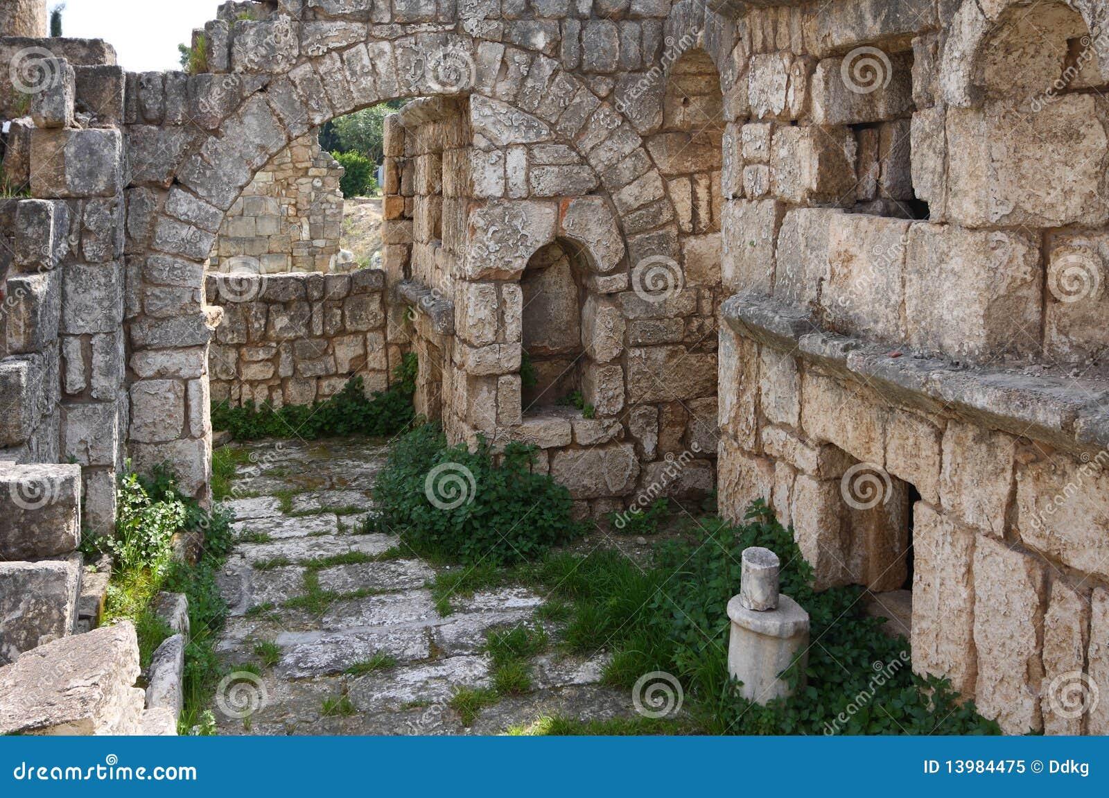 古老黎巴嫩大墓地轮胎