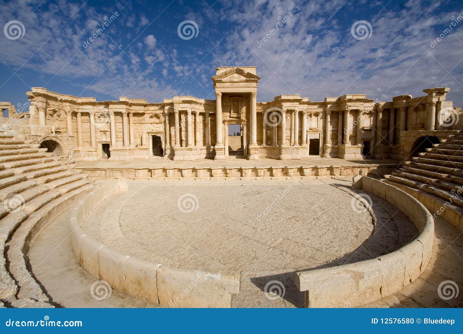 古色古香的扇叶树头榈罗马叙利亚剧&#