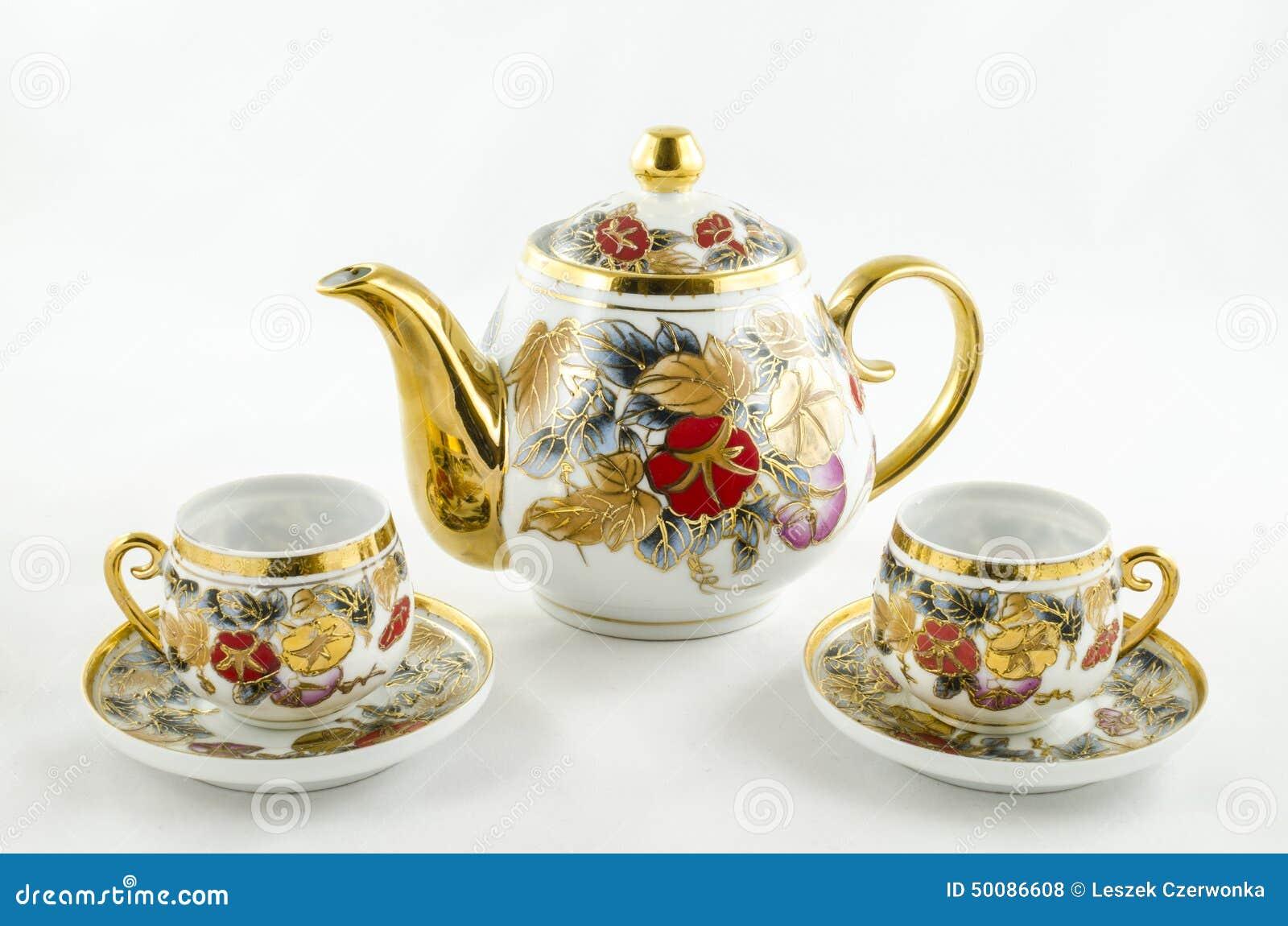 古色古香的瓷茶和咖啡具